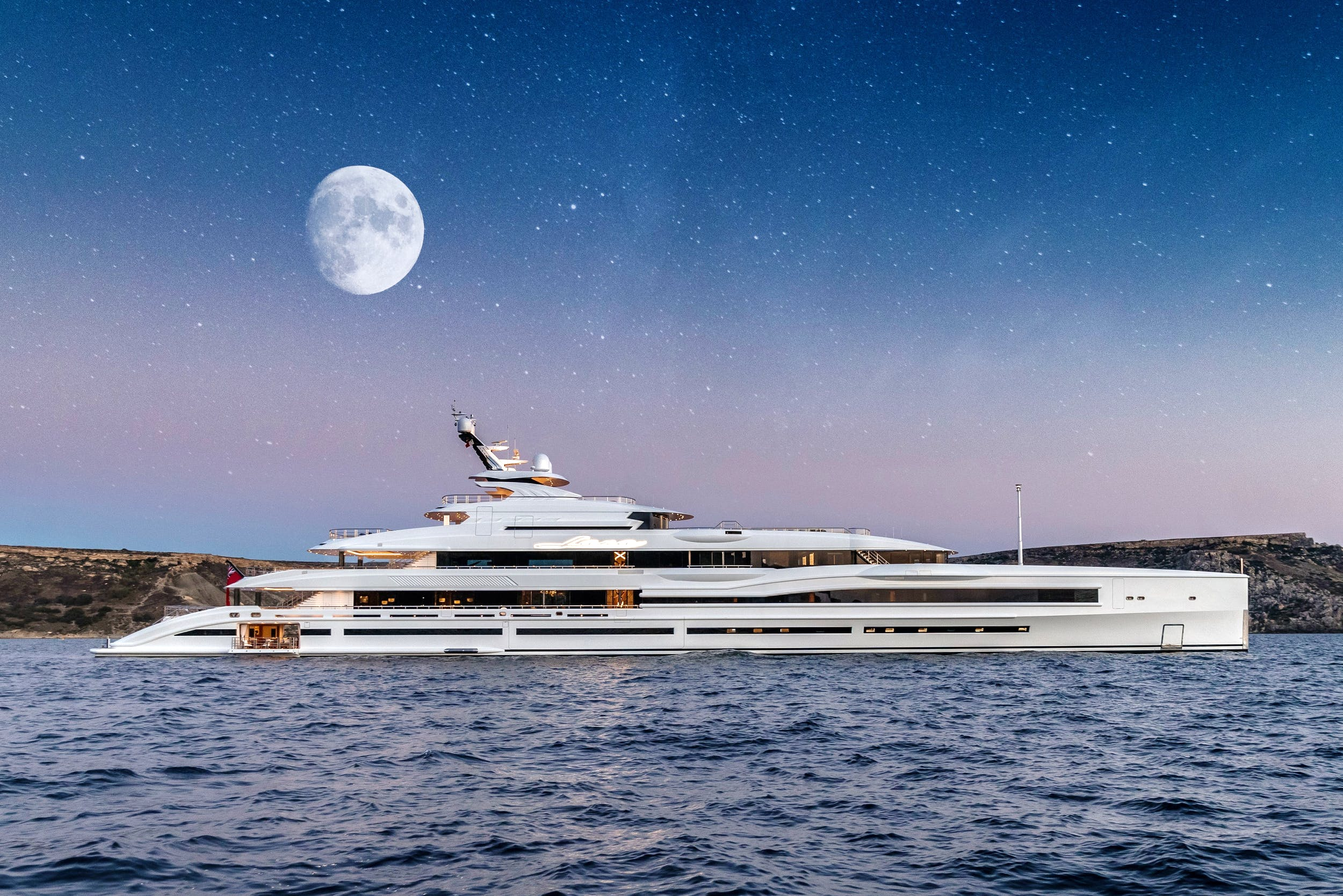 BEST OF THE BEST BY ROBB REPORT: LANA SUPERYACHT CHARTER